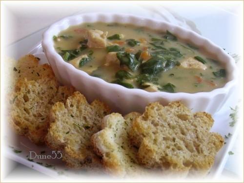 Soupe au poulet, aux épinards et au poivron rouge Pict6210