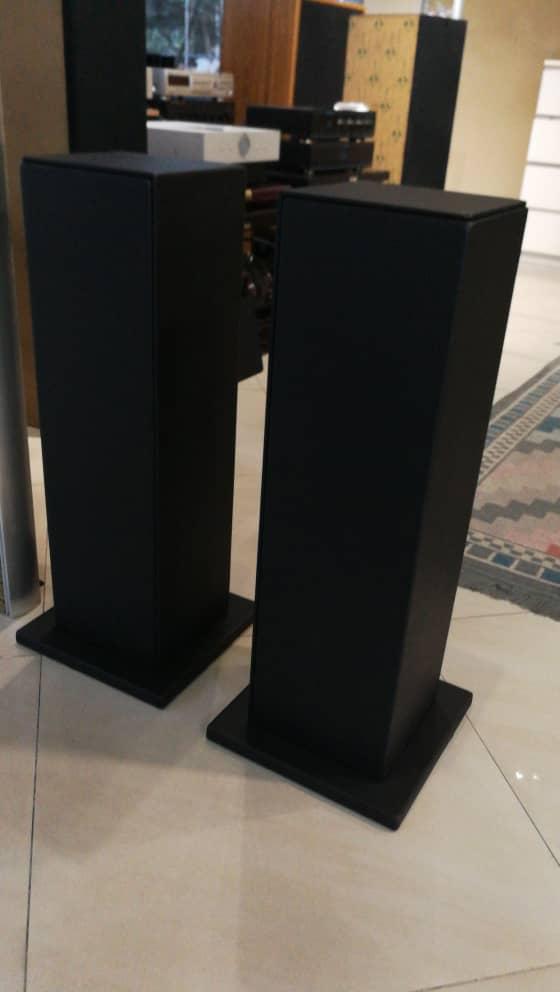 """Bespoke 28"""" speaker stand Img-2017"""