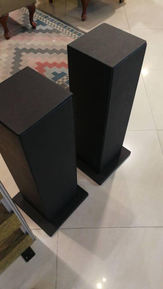 """Bespoke 28"""" speaker stand Img-2019"""