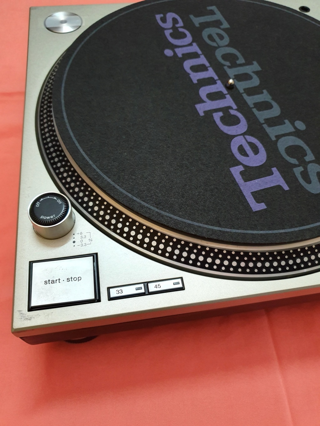 Technics SL1200MK3D turntable (used) SOLD Techni12