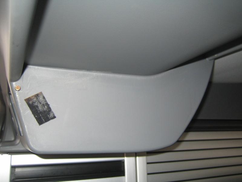 Coffre arrière basculant avec haut-parleurs sur Viano Img_2611