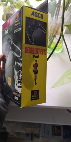 Estimation Pad Resident Evil 2 PS1 18152110
