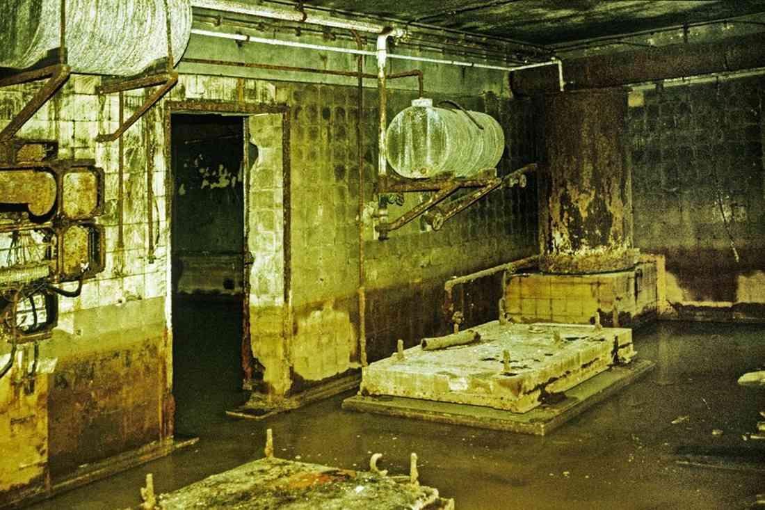 Le bunker du Führer reconstitué à Berlin Bunker10