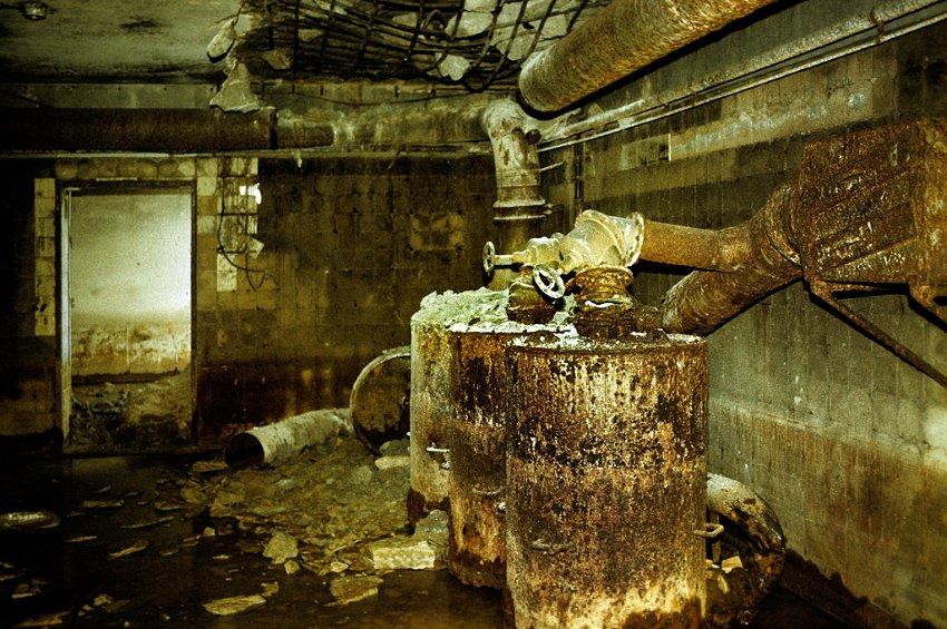 Le bunker du Führer reconstitué à Berlin Bunker13