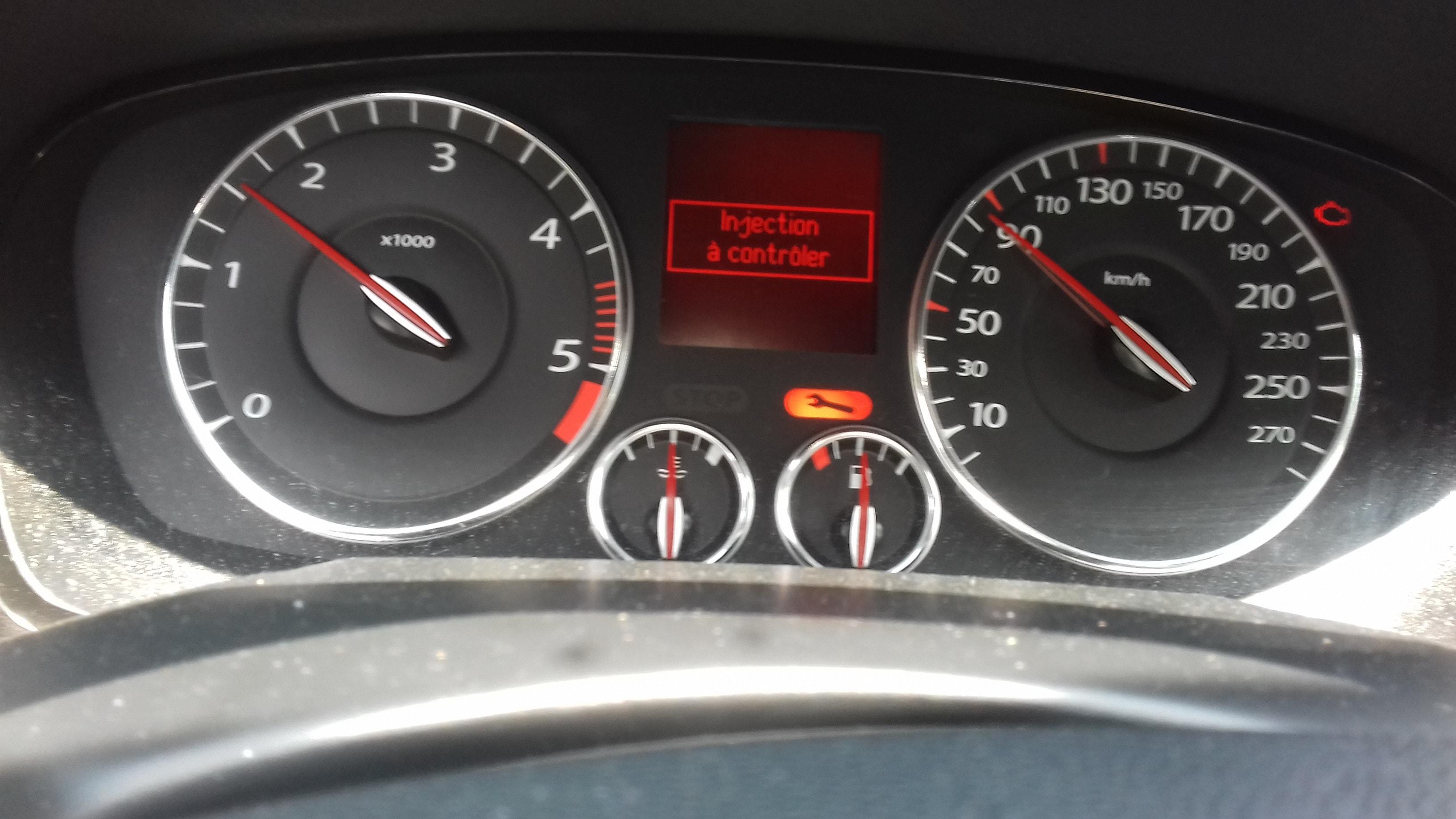[ Renault Laguna 3 coupé 2.0 dci 150 an 2009 ] voyant + clef entretien + injection et polution 20180610