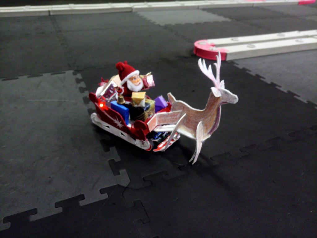 Traîneau du père Noël Img_2075