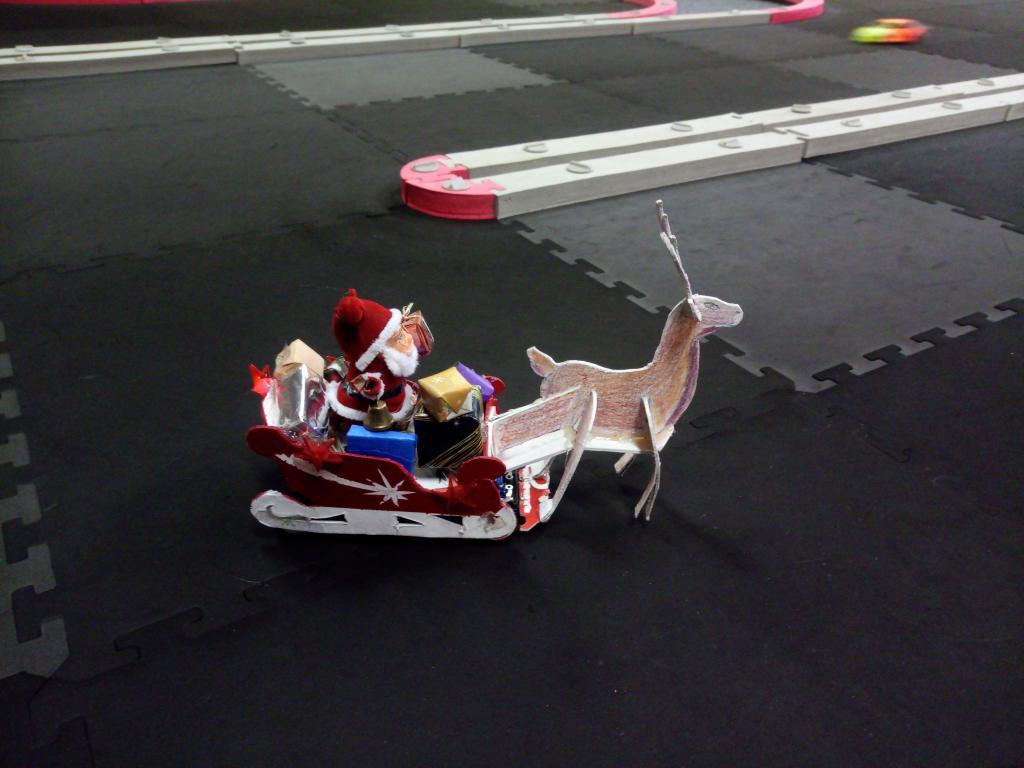 Traîneau du père Noël Img_2079