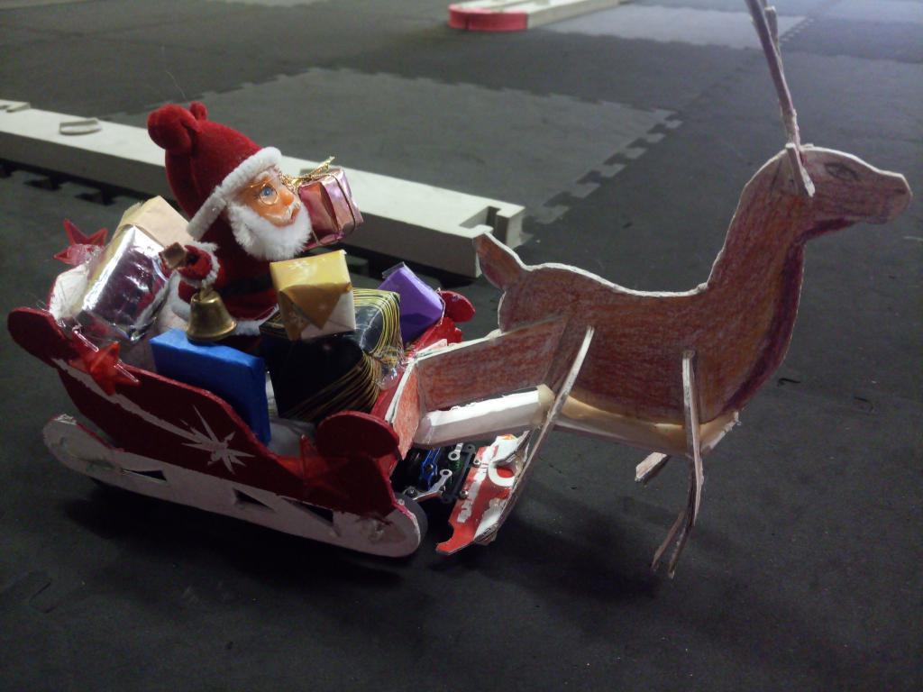 Traîneau du père Noël Img_2080