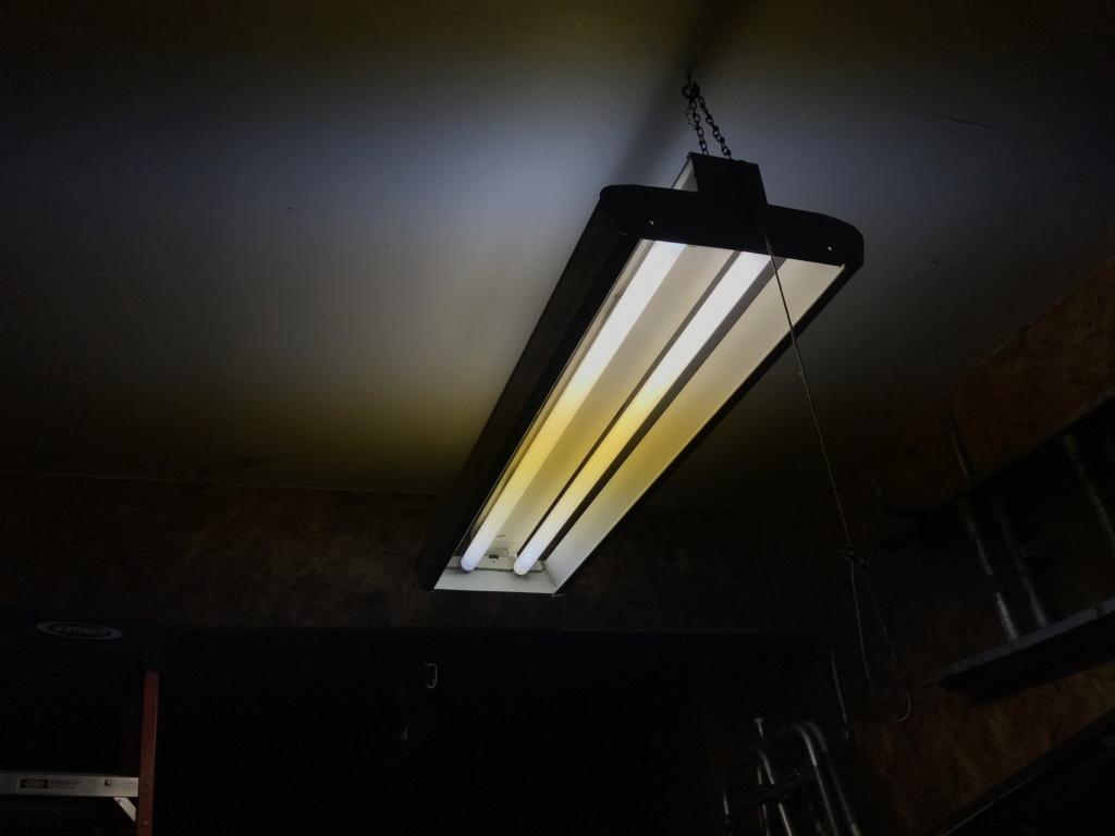Preheat ballast for two (2) 40 watt T12 lamps Img_2310
