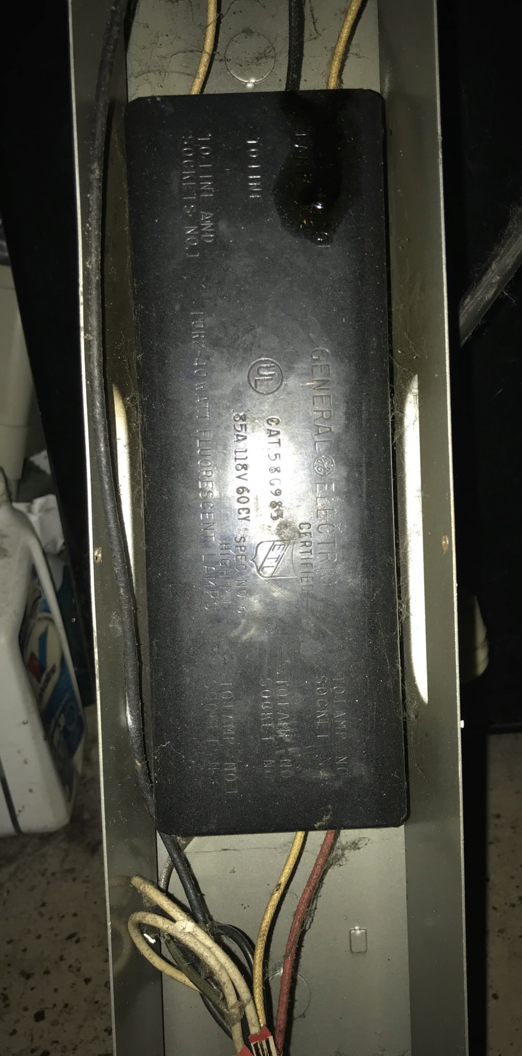 Preheat ballast for two (2) 40 watt T12 lamps Img_2312