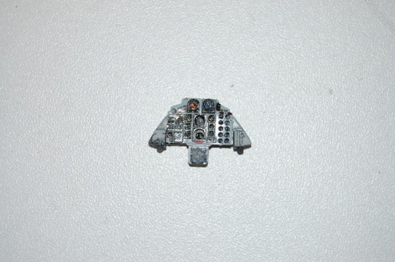 Montage d'u Rf-4 E sauce Greque au 1/48. Dsc_3010