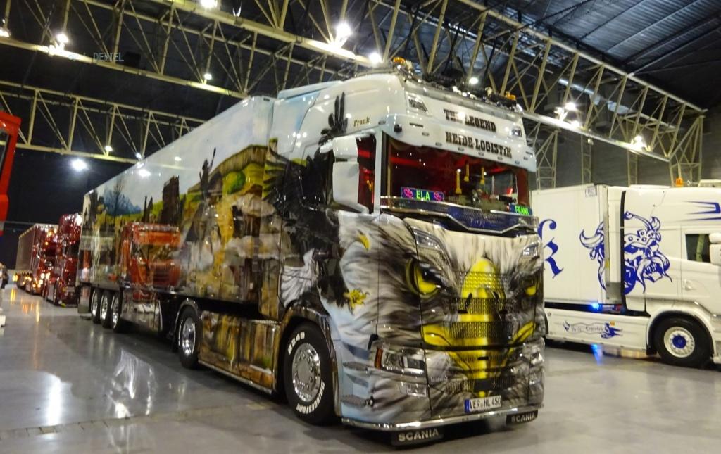 Ce n'est ni un car ni un bus mais quelle déco ! Je voulais juste vous montrez ça... Scania19