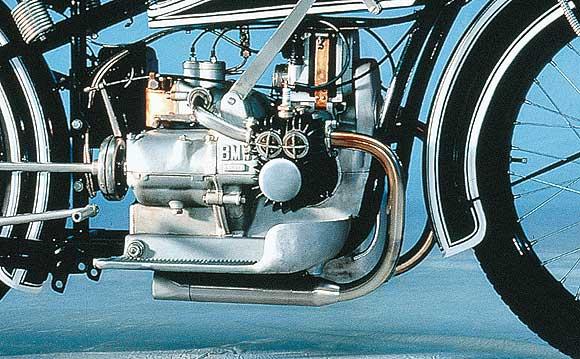 Histoire de la moto. 836_bm10