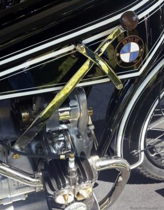 Histoire de la moto. Bmw_r320