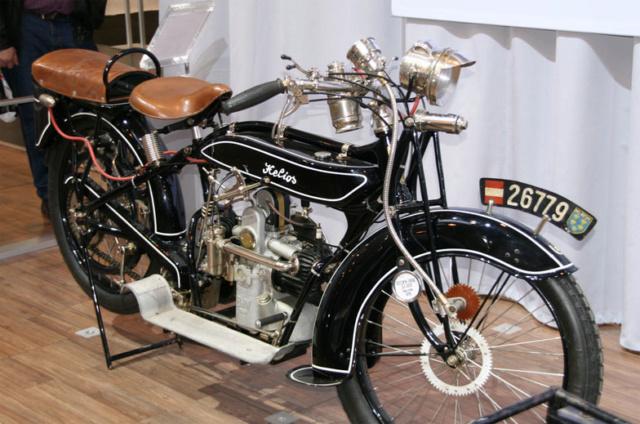 Histoire de la moto. Helios10