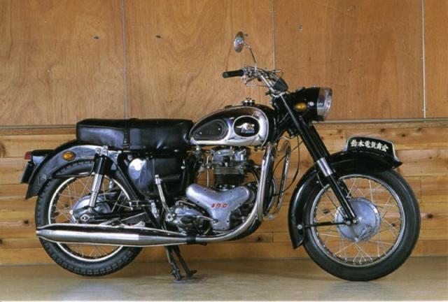 Histoire de la moto. - Page 2 Meguro10