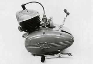 Histoire de la moto. - Page 2 Moteur19