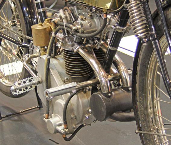 Histoire de la moto. Peugeo11