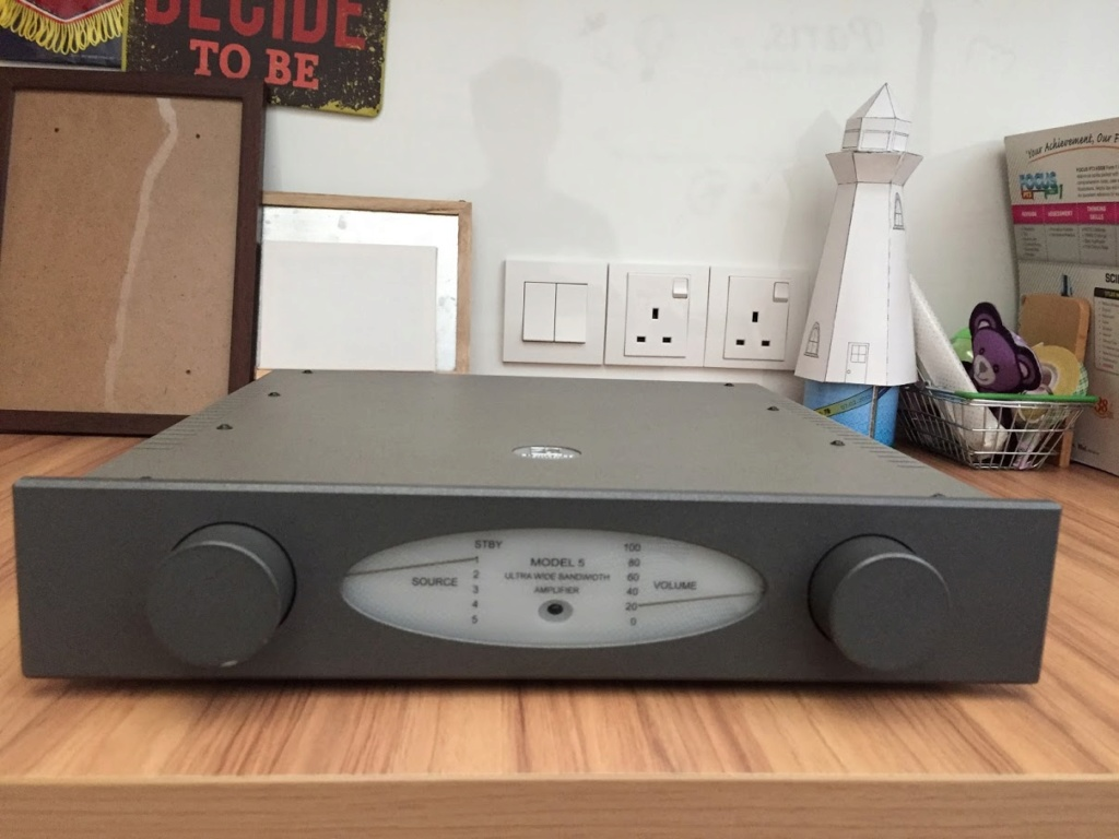 Avantgarde Acoustic Model 5 integrated amp (Used) Img_6710