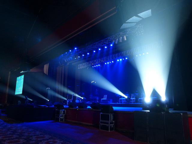 Les concerts et sorties (prestations live de Libera) [2000 → présent] - Page 3 Jimmy_10