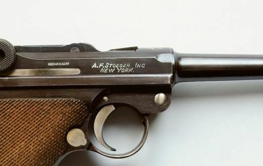 Les marquages des Luger commerciaux de 1900 à 1942. Stoege10