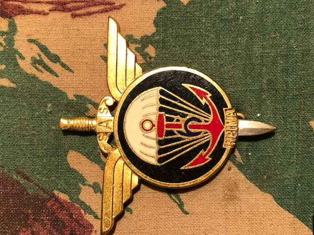 "Insigne du ""6"" Img_1914"
