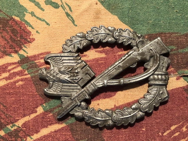 Authentification Infanterie Badge, NSDAP et Divers Img_1920