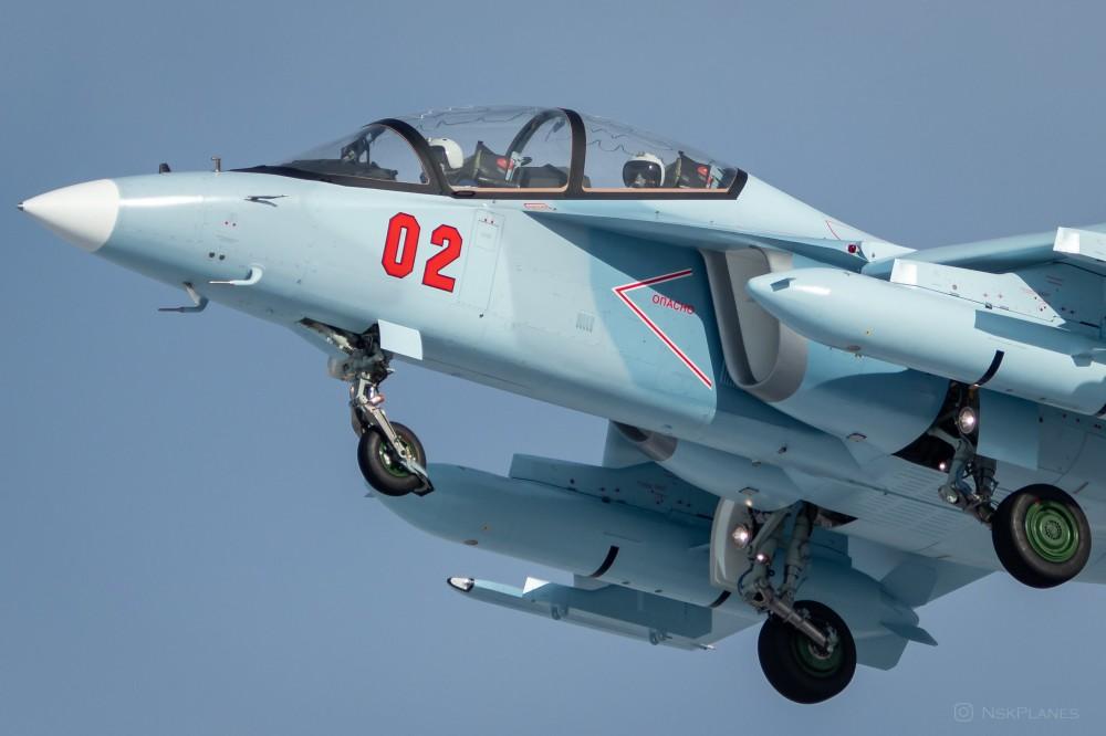 Yak-130: News - Page 13 02b10