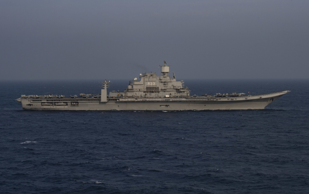 INS Vikramaditya (ex-Admiral Gorshkov) aircraft carrier - Page 4 175