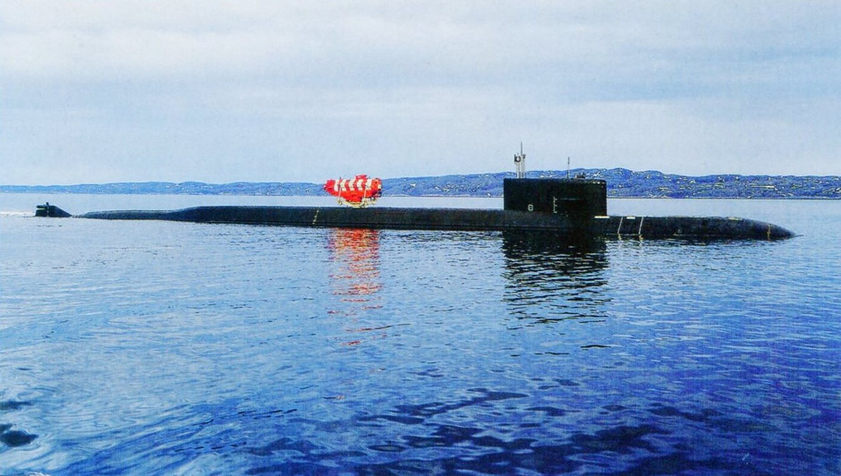 Special mission nuclear submarines - Page 2 Losari10