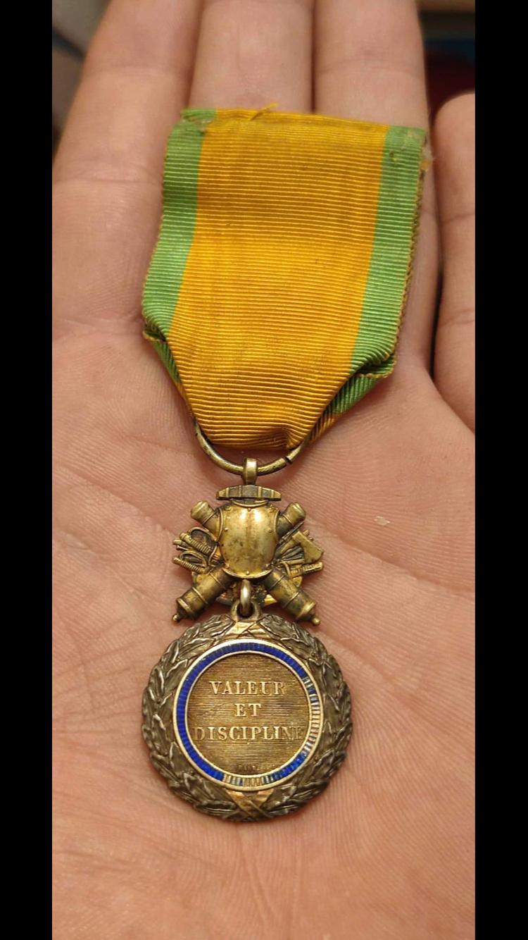Médaille militaire biface et bombée ?? 0e901510
