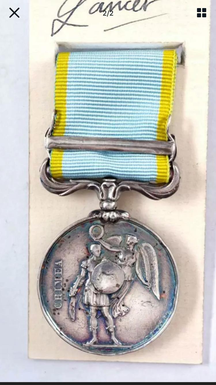 Médaille Crimée avec agrafe et ruban  31889810