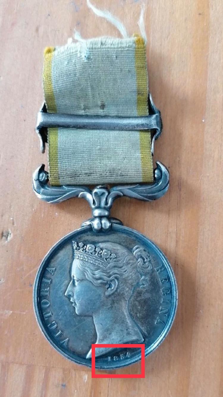 Médaille Crimée avec agrafe et ruban  61e1b910