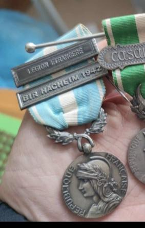 Médaille coloniale Bir Hacheim 1942  C8412710