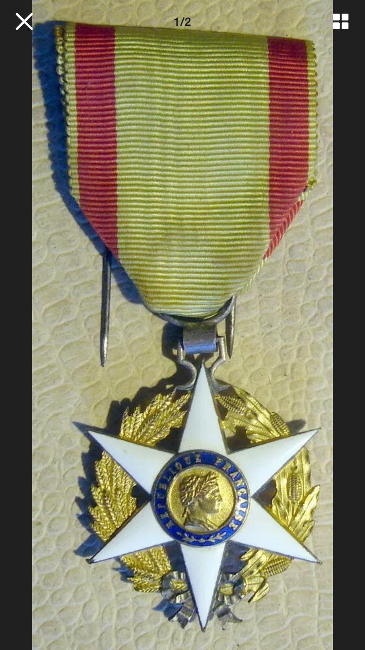 Différencier médaille mérite agricole  D1f5d610