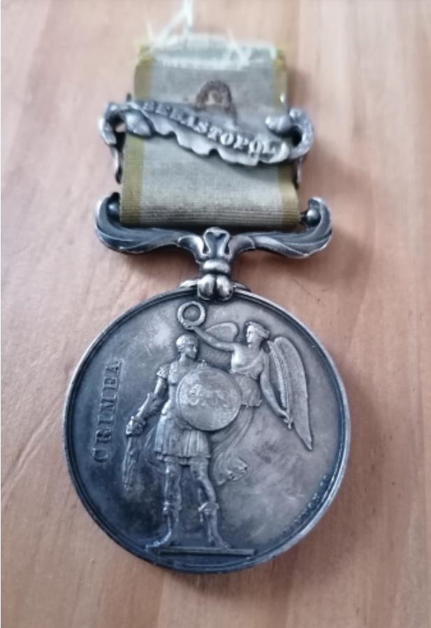 Médaille Crimée avec agrafe et ruban  Eb8aef10