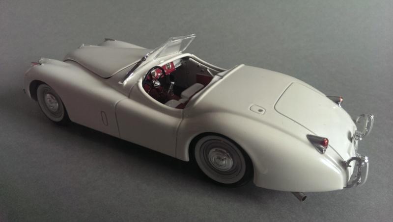 Revell's Jaguar XK 120 1:24 Imag4021