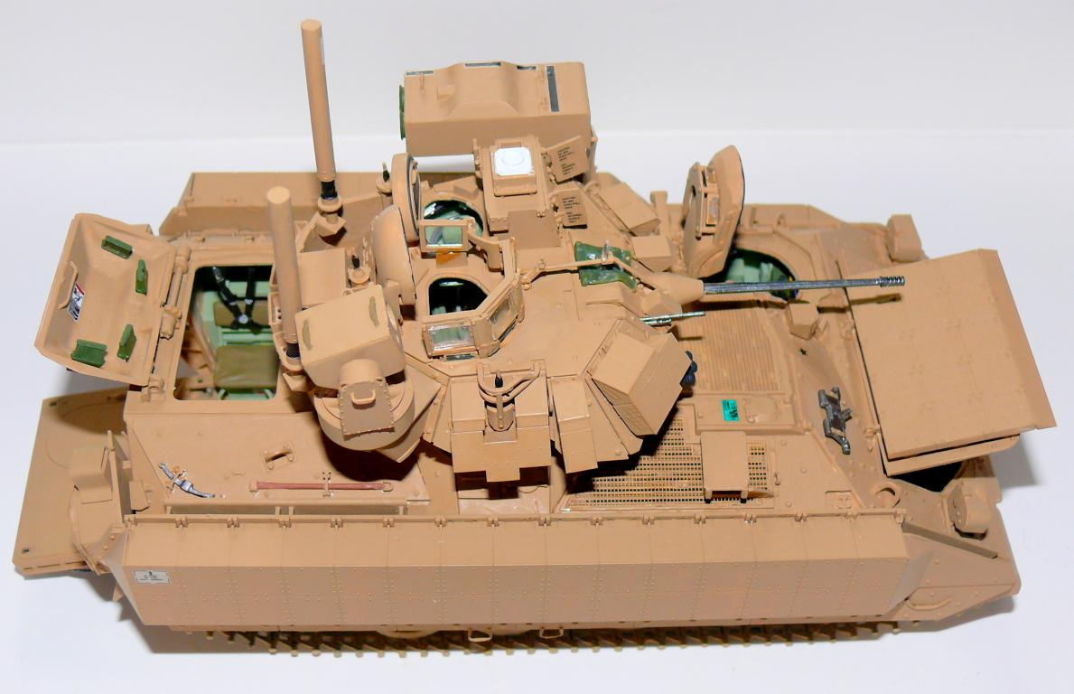 M3A3 BRADLEY w/BUSK III U.S. CAVALRY FIGHTING VEHICLE DE MENG Au 1/35 - Page 2 P1300512