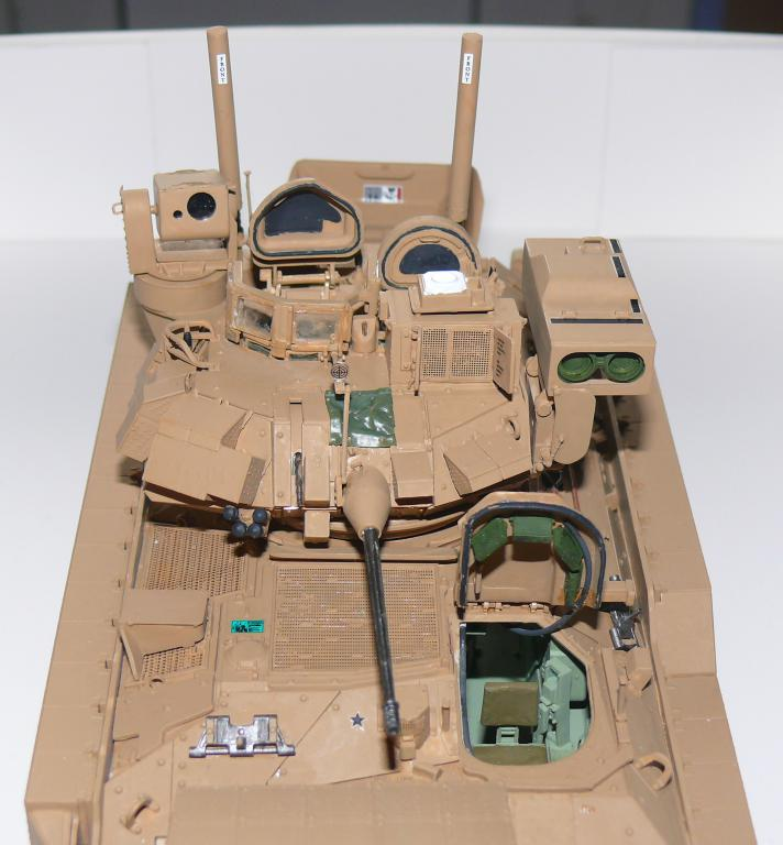 M3A3 BRADLEY w/BUSK III U.S. CAVALRY FIGHTING VEHICLE DE MENG Au 1/35 - Page 2 P1300513