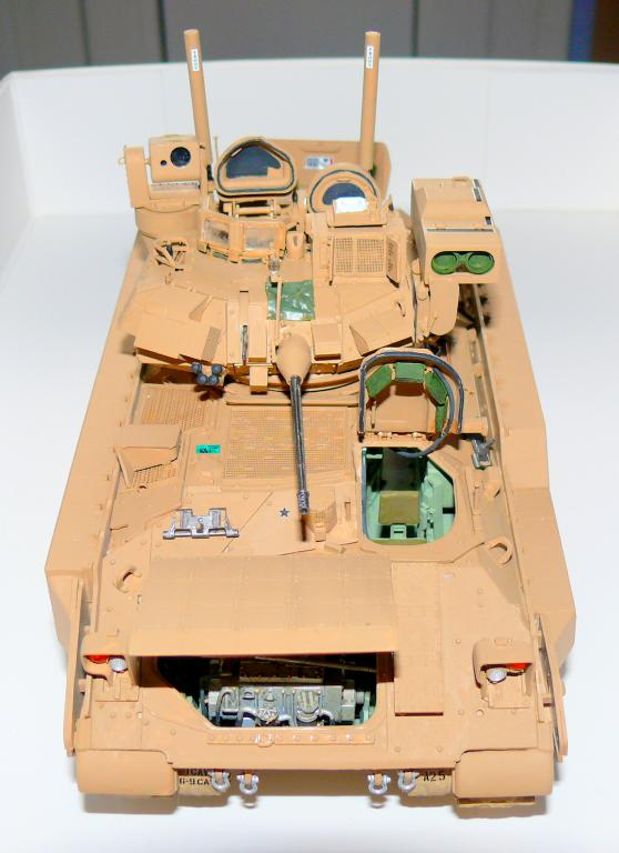 M3A3 BRADLEY w/BUSK III U.S. CAVALRY FIGHTING VEHICLE DE MENG Au 1/35 - Page 2 P1300514