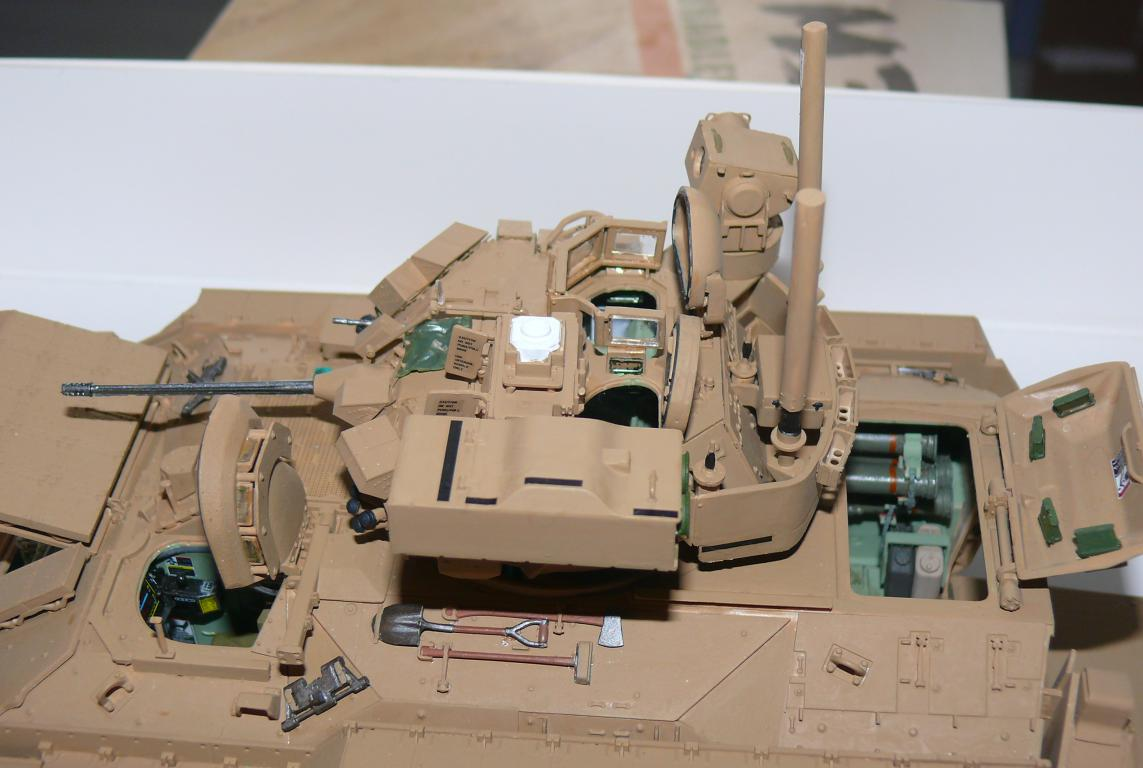 M3A3 BRADLEY w/BUSK III U.S. CAVALRY FIGHTING VEHICLE DE MENG Au 1/35 - Page 2 P1300515