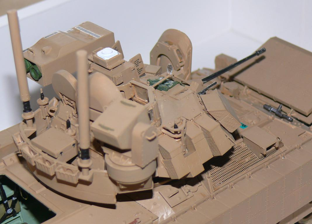 M3A3 BRADLEY w/BUSK III U.S. CAVALRY FIGHTING VEHICLE DE MENG Au 1/35 - Page 2 P1300519