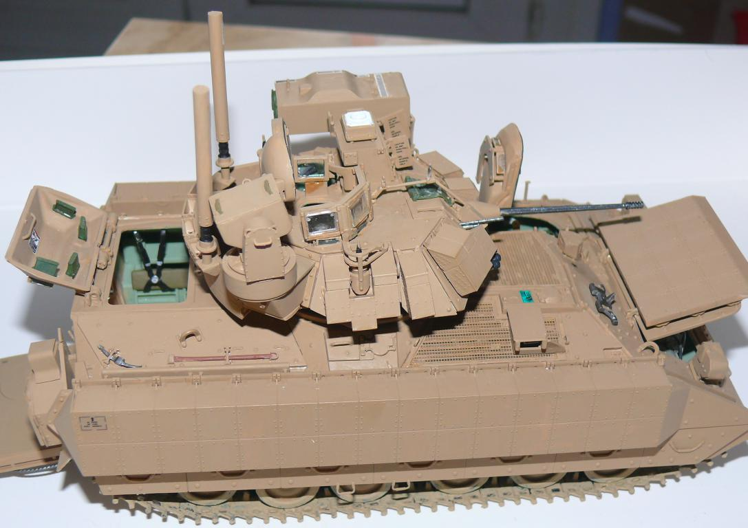 M3A3 BRADLEY w/BUSK III U.S. CAVALRY FIGHTING VEHICLE DE MENG Au 1/35 - Page 2 P1300520