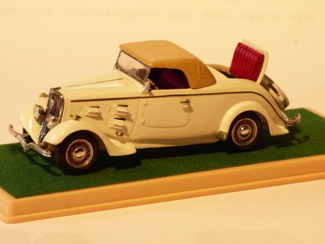 Quelques miniature tiré de la vitrine du papa... P1040622