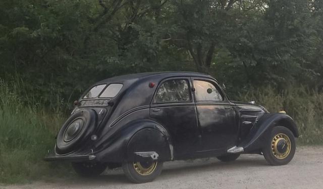 Peugeot 302 1936 sortie de grange Petit10