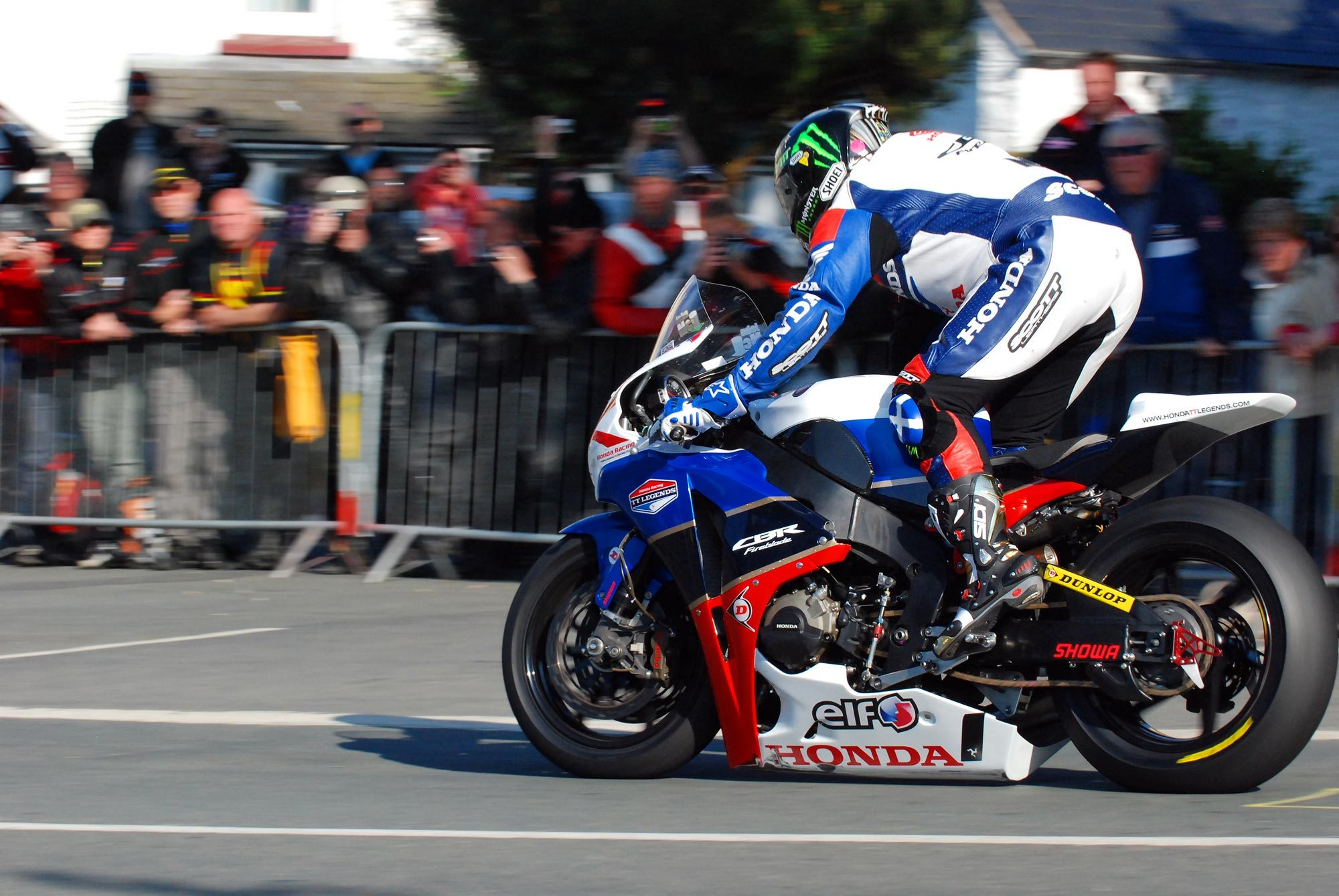 [Road Racing] TT 2018 - Page 16 Mcguin10