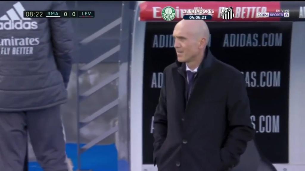Zidane Sack Watch - Page 30 Zidane10
