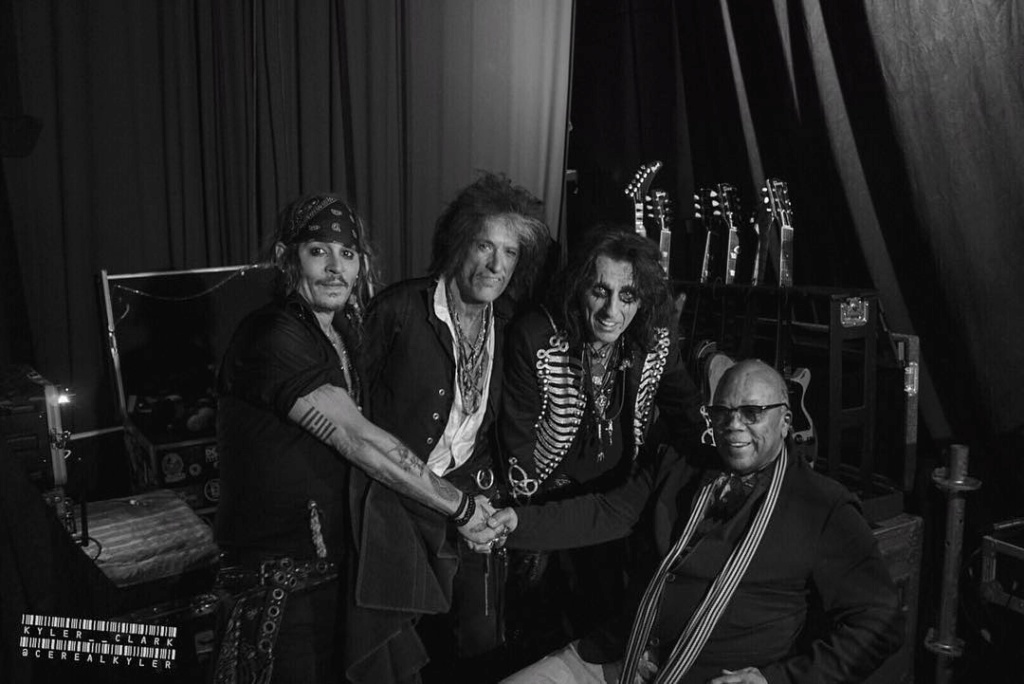 Le groupe Hollywood Vampires . - Page 30 36766110