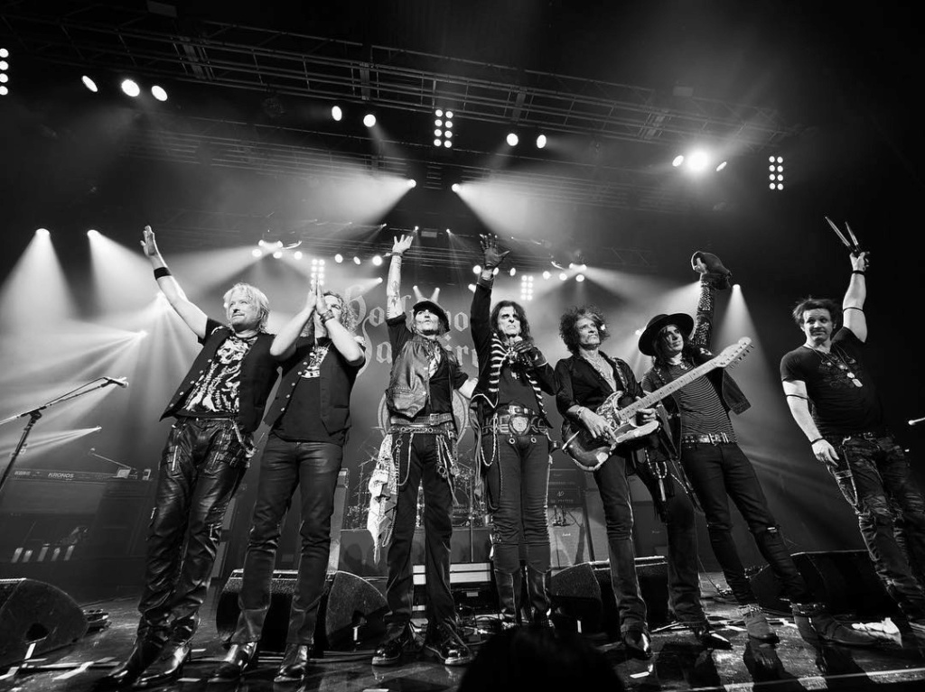 Le groupe Hollywood Vampires . - Page 31 41937210