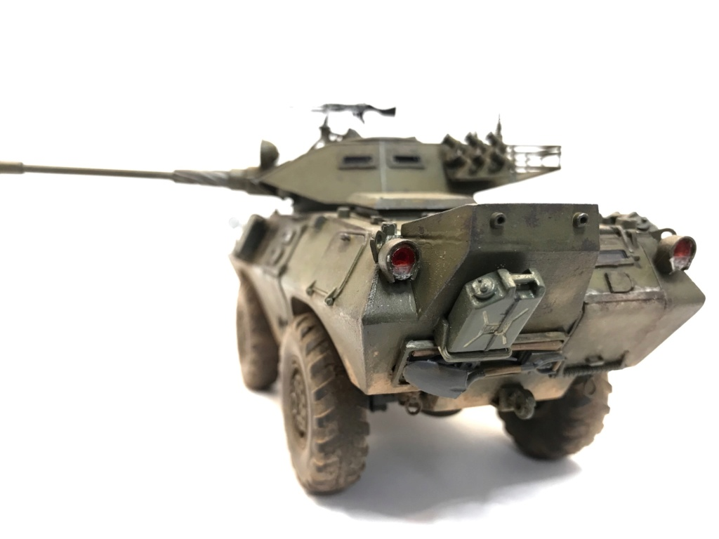 LAV 150 Commando Hobby Boss 1/35 Img_3511